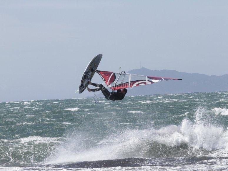 Acrobazie con il windsurf