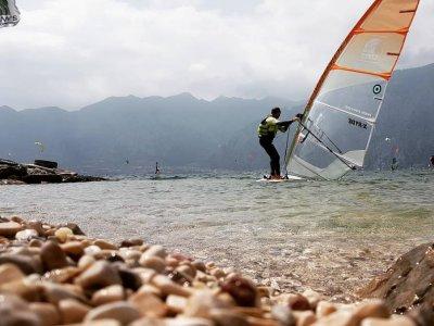Lezione di Windsurf di due ore a Malcesine