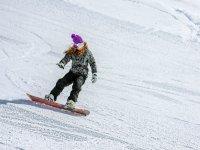 Lo snowboard è un modo piú adrenalinico di vivere la montagna,sceglilo!