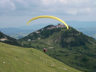 Volo parapendio 30 min + Video HD Montefalcone