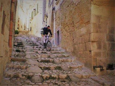Percorso in bici nei Sassi e sul Belvedere, Matera