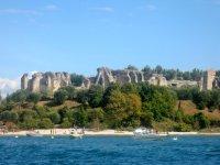 le incantevoli grotte di Catullo