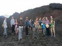 Sulla lava del vulcano
