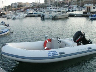 Noleggio gommone o barca Capo Rizzuto 4 ore 40 CV