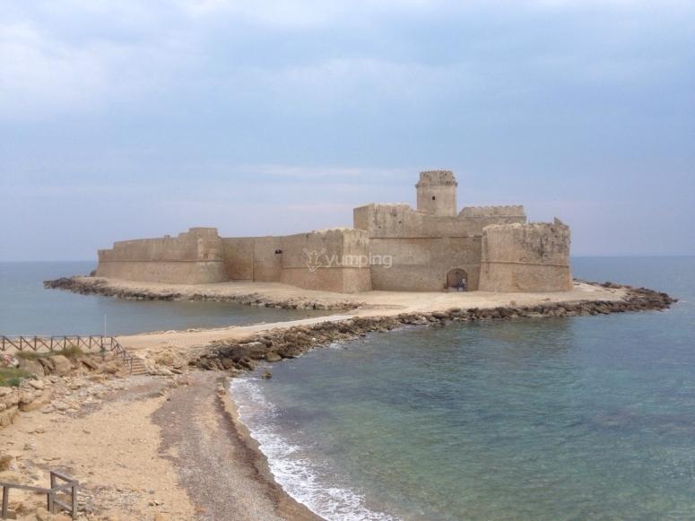 Le Castella sul mare