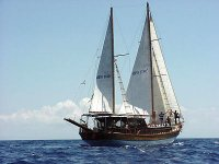 Sailing the waters of the Tyrrhenian