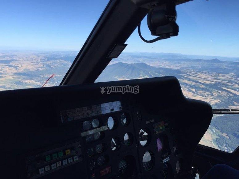 Elicottero in volo