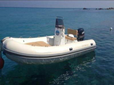 Inflatable boat rental 5.50m in Tropea (low season)