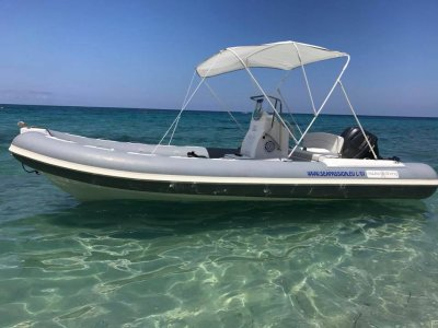 Dinghy rental 6.5 40hp Tropea 8 hours without a license