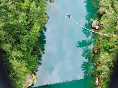 Bungee jumping dal ponte Solkan di 1 ora