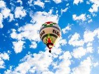 In volo tra le nuvole
