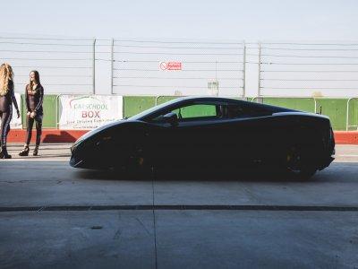 Tre giri in Lamborghini sul circuito di Sarno