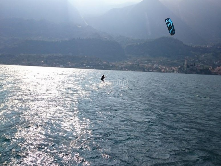 Kitesurf in water