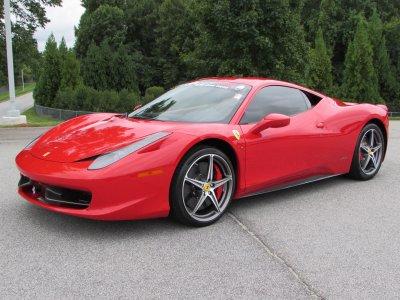 Un giro in Ferrari sulla pista di Jesolo
