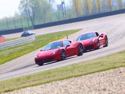 Due giri in Ferrari sul circuito di Jesolo
