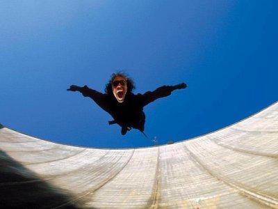 Bungee jumping per ragazzi Diga di Verzasca 45 min