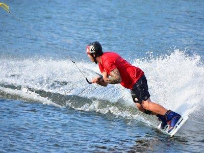 Wakeboard nella Baia di Formicoli di 20 minuti