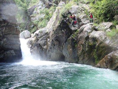 Canyoning in Valsesia  (4 ore e mezza - 5 ore)