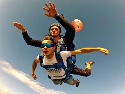 Volare in paracadute a Cecina