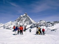 Sciando sulle Alpi