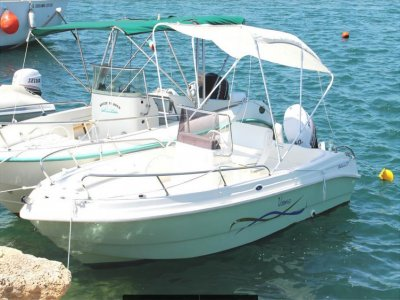 Boat rental 40 hp (1h), Le Castella