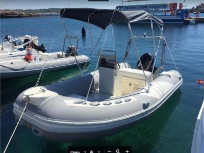 Dinghy rental 40 hp (1h), Le Castella
