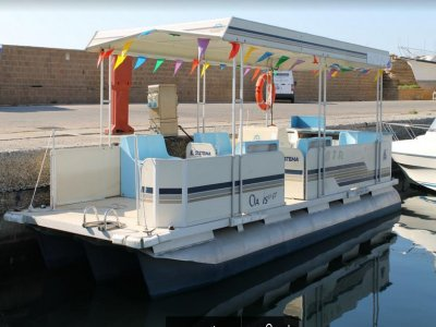 Pontoon Boat rental 40 hp (1h), Le Castella