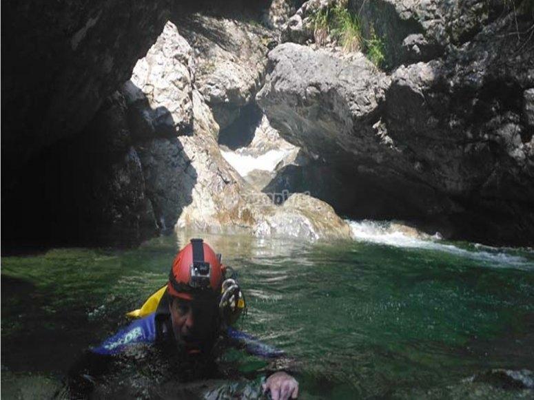 attraverso il torrente
