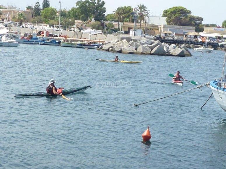 A bordo dei kayak