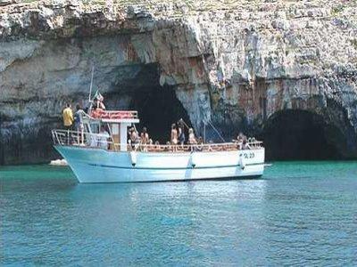 Colaci Mare Escursione in Barca