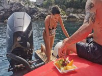 boat excursion with fresh fruit