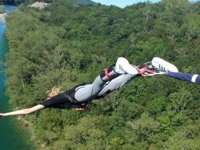 Due salti Bungee jumping da 55 metri, Solkan