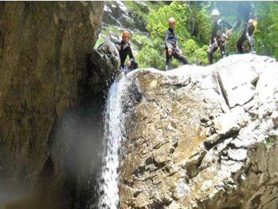Canyoning in Val Zemola di 3 o 4 ore