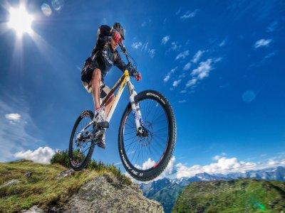 Mountain bike Alcantara (2:30h), under 18
