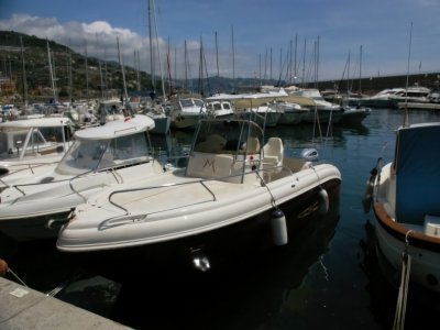 Boat rental with license Riviera Ponente 4 hours