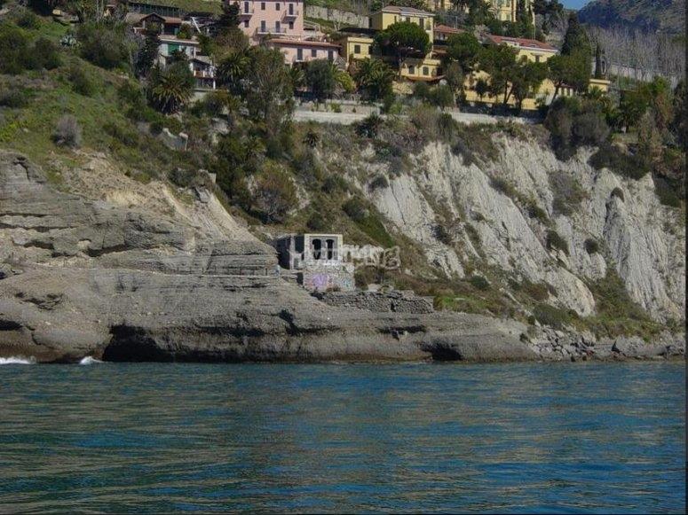 Le rocche a picco sul mare