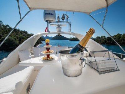 Noleggio settimanale barca Libery a Sorrento