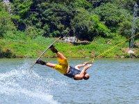 acrobazie di cable wakeboard