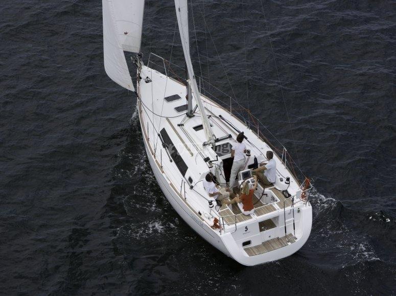 Navigando a bordo dellOceanis 34