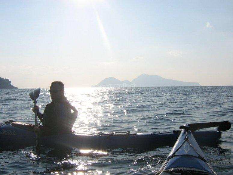 Kayak con vista su Capri