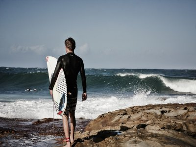 Single surf lesson (1.5 hours) in Bari
