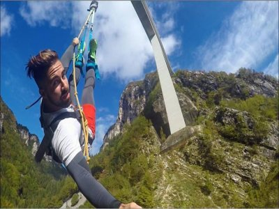 Bungee jumping da 175 m con foto o video Valgadena