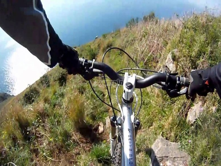 In bici nella natura