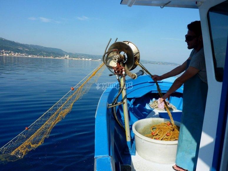Escursione e pesca in barca