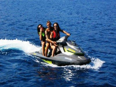 Jet ski with Riviera Ponente license 20 minutes