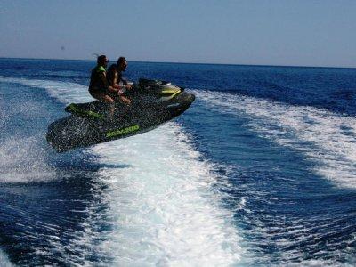 20 minuti in moto d'acqua a Bordighera con patente