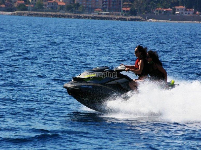 Adrenalina in moto d'acqua