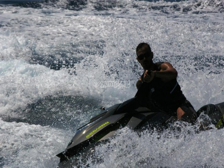 Nel Mar Ligure