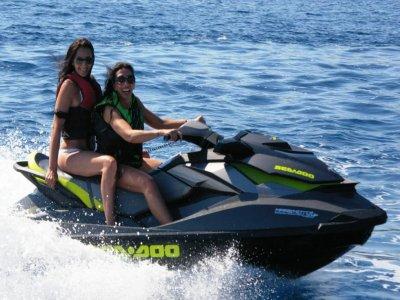 1 ora in moto d'acqua a Bordighera con patente