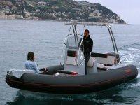 Scoprire la Liguria con il gommone Arkos